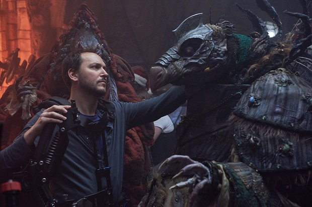 Behind-the-scenes still of the Skeksis General (Benedict Wong) puppet (Netflix)