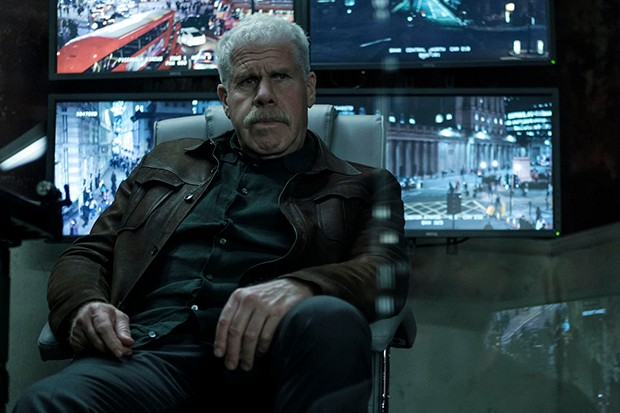 Ron Perlman plays Frank Napier
