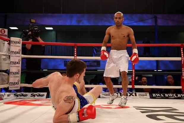 Boxing on TV Kash Farooq v Duane Winters
