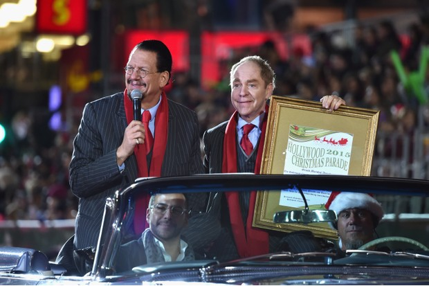 HOLLYWOOD, CA - NOVEMBER 29: Grand Marshals Penn & Teller attend the 2015 Hollywood Christmas Parade on November 29, 2015 in Hollywood, California. (Photo by Alberto E. Rodriguez/Getty Images for The Hollywood Christmas Parade)