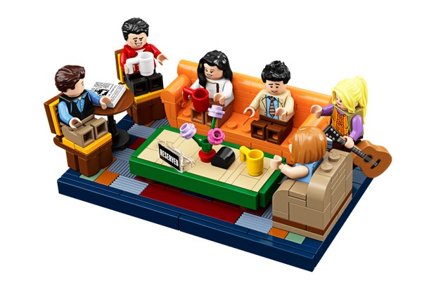 HighRes_Central-Perk-Minifigures