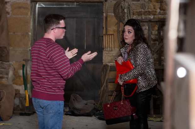 emmerdale mandy dingle (Lisa Riley)