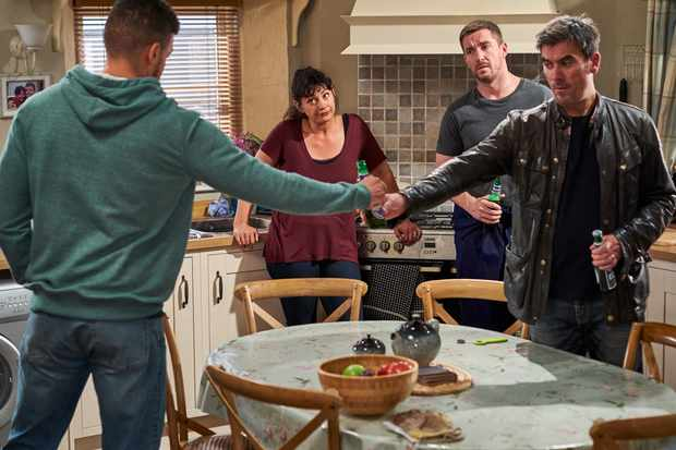 emmerdale cain dingle nate robinson moira dingle pete barton