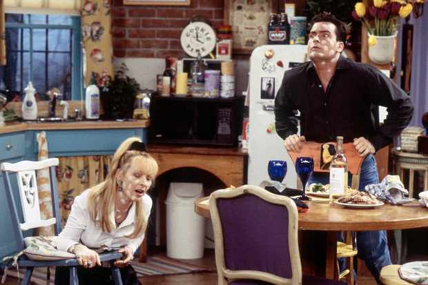 Lisa Kudrow and Charlie Sheen in Friends