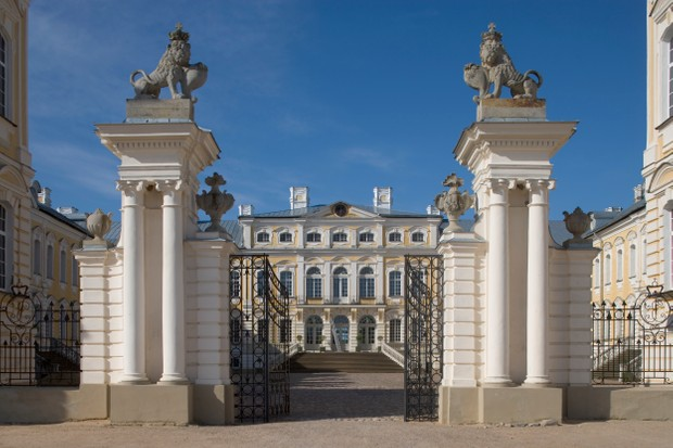 The entrance gate to Rundale palace (1736-1768), Latvia. (Getty Images)