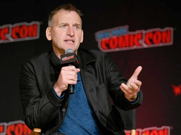 "Christopher Eccleston says he sacrificed ""professional pride"" by not doing a second series of Doctor Who"