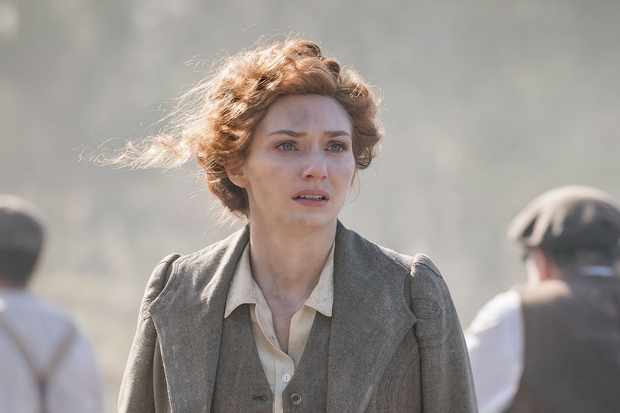 Programme Name: The War of the Worlds - TX: n/a - Episode: n/a (No. 1) - Picture Shows:  Amy (ELEANOR TOMLINSON) - (C) © Mammoth Screen 2018 - Photographer: Ben Blackall