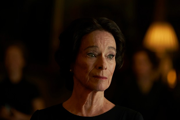Geraldine Chaplin plays Wallis Simpson in The Crown season 3