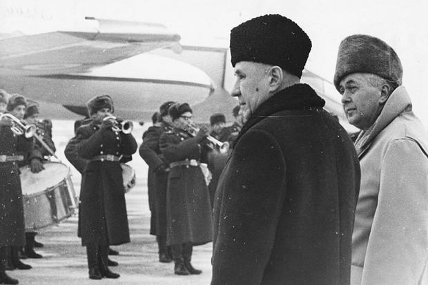 Harold Wilson (right) in Russia in 1968