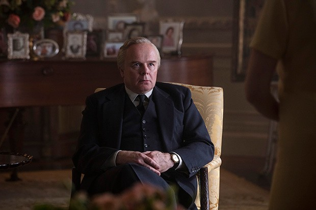 Jason Watkins plays Harold Wilson in The Crown S3