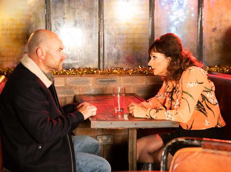 Who plays Tim Metcalfe's secret wife Charlie in Coronation Street? Sian Reeves joins the cast