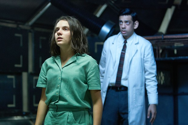 WARNING: Embargoed for publication until 00:00:01 on 30/11/2019 - Programme Name: His Dark Materials - TX: n/a - Episode: n/a (No. 6) - Picture Shows:  Lyra Belacqua (DAFNE KEEN), Dr Rendal (AMIT SHAH) - (C) Bad Wolf - Photographer: Simon Ridgway