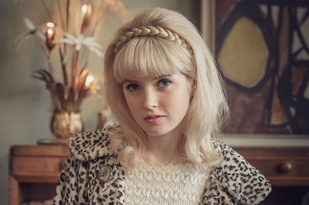 Ellie Bamber plays Mandy Rice-Davies in The Trial of Christine Keeler