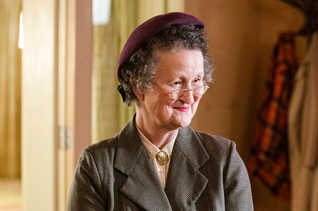 Georgie Glen plays Miss Higgins in Call the Midwife