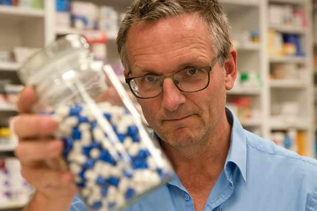 Programme Name: Horizon - Addicted To Painkillers? Britain's Opioid Crisis - TX: n/a - Episode: n/a (No. n/a) - Picture Shows: examines Britain's painkiller habit.   Dr. Michael Mosley - (C) Wingspan Productions - Photographer: Dan Murdoch