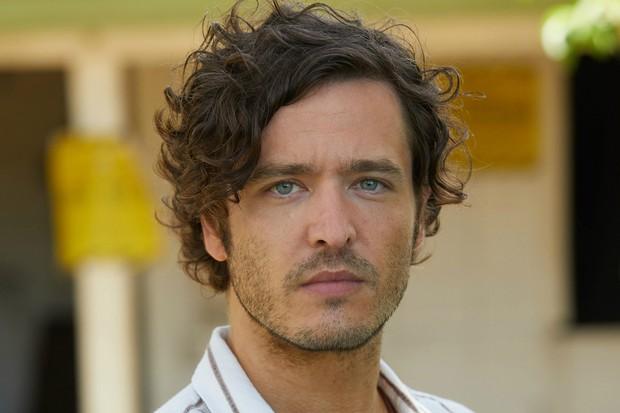 Alexander Vlahos plays Max Newman