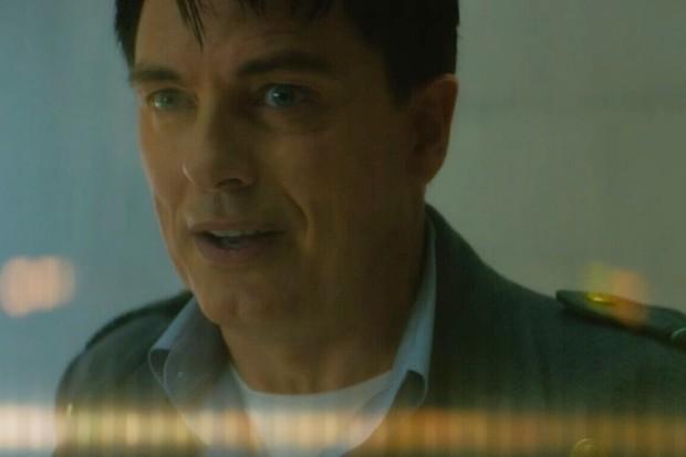 Captain Jack (John Barrowman) returns - Doctor Who