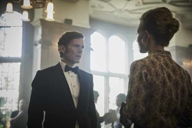 MAMMOTH SCREEN FOR ITV ENDEAVOUR  Episode 1   Pictured: SHAUN EVANS as Endeavour and NAOMI BATTRICK as DR Naomi Benford.  This image is the copyright of ITV and may only be used in relation to Endeavour.