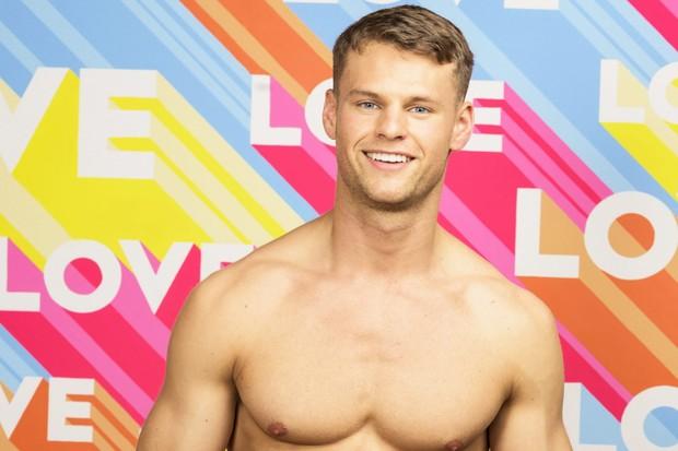Josh Kempton Love Island