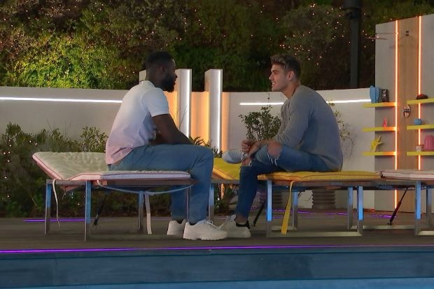 Love Island's Mike and Luke M (©ITV)