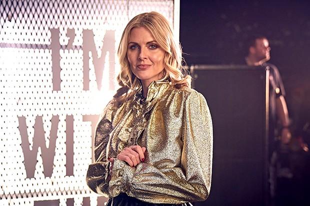 Donna Air joue Fi Hansen dans The Split