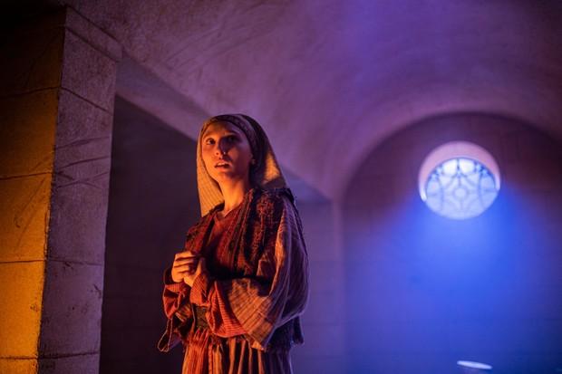 Aruhan Galieva as Tahira - Doctor Who _ Season 12, Episode 7 - Photo Credit: James Pardon/BBC Studios/BBC America