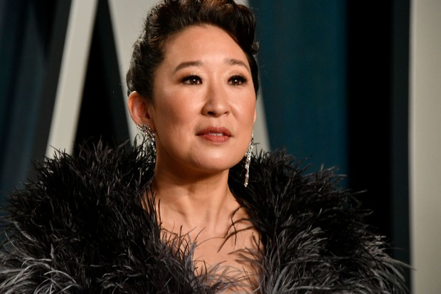 BEVERLY HILLS, CALIFORNIA - FEBRUARY 09: Sandra Oh attends the 2020 Vanity Fair Oscar Party hosted by Radhika Jones at Wallis Annenberg Center for the Performing Arts on February 09, 2020 in Beverly Hills, California. (Photo by Frazer Harrison/Getty Images)