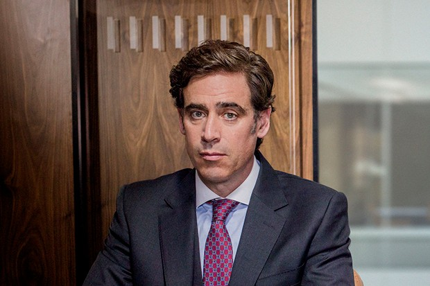 Stephen Mangan plays Nathan in The Split