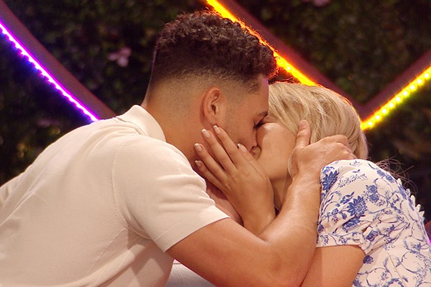 From ITV Studios  Love Island: SR6: Ep25 on ITV2  Pictured: Callum and Molly kiss.  This photograph is (C) ITV Plc and can only be reproduced for editorial purposes directly in connection with the programme or event mentioned above, or ITV plc. Once made available by ITV plc Picture Desk, this photograph can be reproduced once only up until the transmission [TX] date and no reproduction fee will be charged. Any subsequent usage may incur a fee. This photograph must not be manipulated [excluding basic cropping] in a manner which alters the visual appearance of the person photographed deemed detrimental or inappropriate by ITV plc Picture Desk.  This photograph must not be syndicated to any other company, publication or website, or permanently archived, without the express written permission of ITV Picture Desk. Full Terms and conditions are available on the website www.itv.com/presscentre/itvpictures/terms  For further information please contact: james.hilder@itv.com / 0207 157 3052