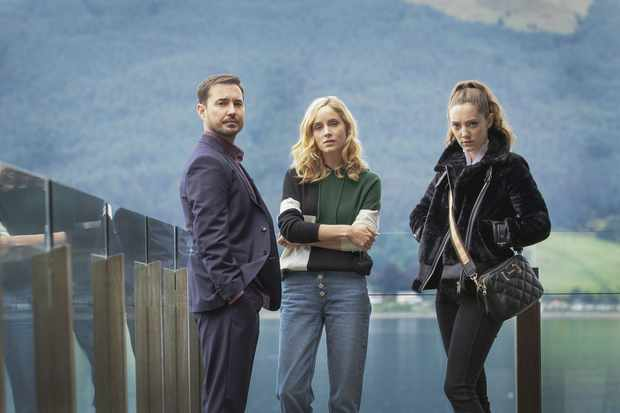 WARNING: Embargoed for publication until 00:00:01 on 01/02/2020 - Programme Name: The Nest - TX: n/a - Episode: Portraits (No. n/a) - Picture Shows: L-R Dan (MARTIN COMPSTON), Emily (SOPHIE RUNDLE), Kaya (MIRREN MACK) - (C) Studio Lambert - Photographer: Mark Mainz
