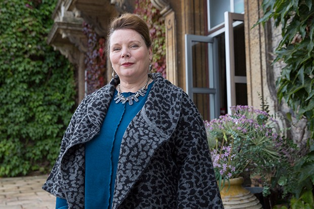Joanna Scanlan plays Kelly Mulcreevy in McDonald and Dodds