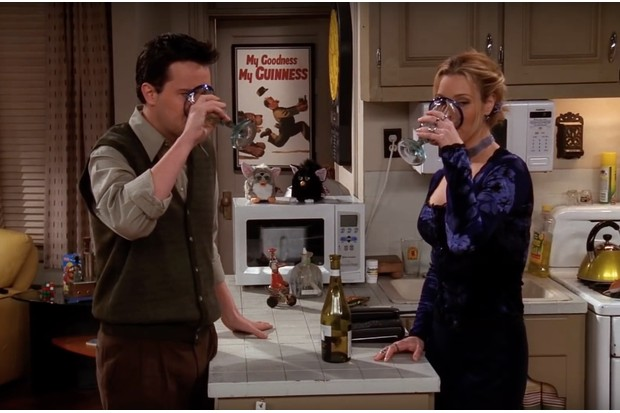 Phoebe and Chandler drinking together