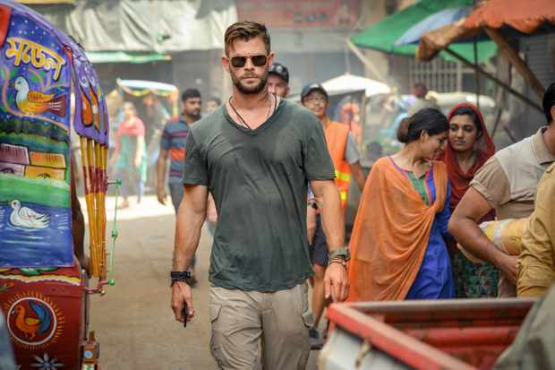 Chris Hemsworth in Extraction (Netflix)