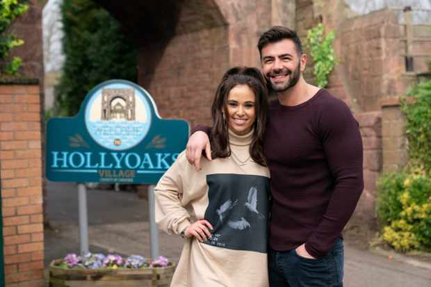 6 Hollyoaks spoilers for next week: Sylver's daughter arrives and Peri's in a love triangle with her mum
