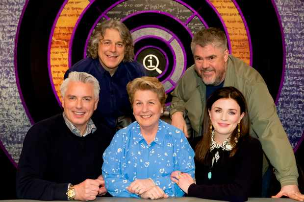 Programme Name: QI - Series R - TX: n/a - Episode: QI - Series R - Ep 1 - RUDE (No. 1) - Picture Shows:  John Barrowman, Alan Davies, Sandi Toksvig, Phil Jupitus, Aisling Bea - (C) Fremantle Media/Talkback - Photographer: Brian Ritchie