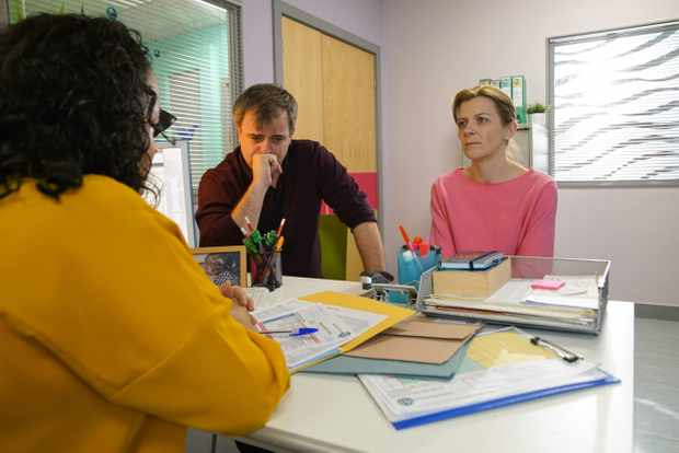 Oliver in hospital - Leanne and Steve in Coronation Street