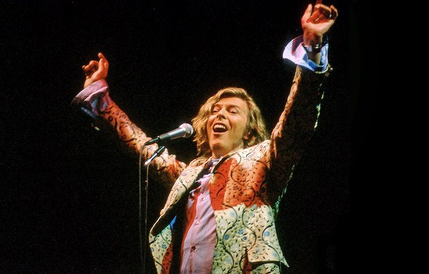 David Bowie's 2000 Pyramid Stage performance (Credit: Getty Images)