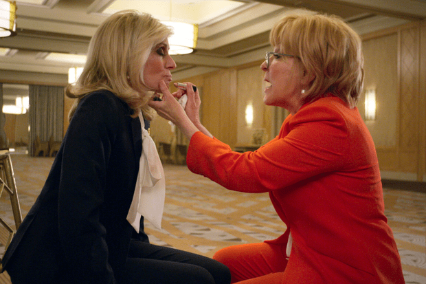 Judith Light y Bette Midler en The Politician