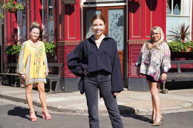 eastenders secrets from the square queen vic landladies