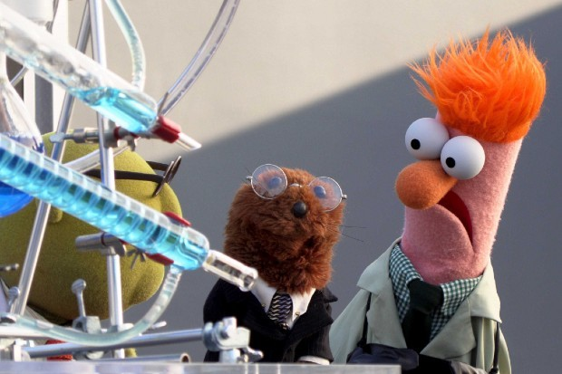 Beaker, Bunsen ve Joe Muppets'te Şimdi Disney Plus'ta