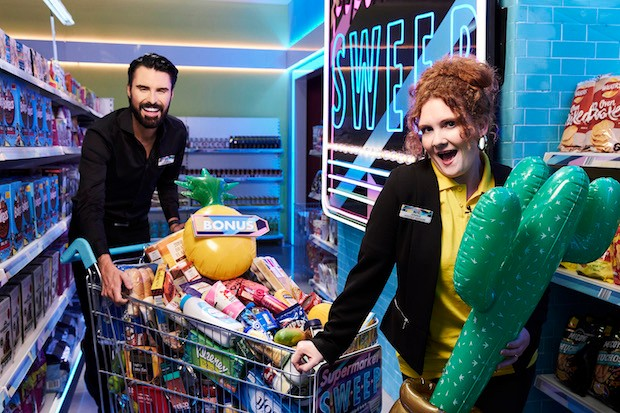 Rylan Clark-Neal and Jennie McAlpine in Supermarket Sweep