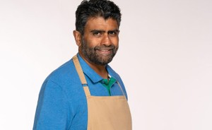 The Great British Bake Off: An Extra Slice - what time is ...