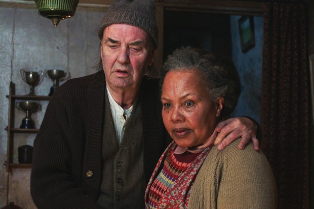 Dave Hill and Chloe Sylvestre play Bert and Anne Chapman in All Creatures Great and Small