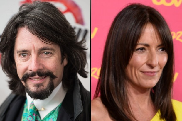 Davina McCall and Laurence Llewelyn-Bowen will return for Changing Rooms on Channel 4