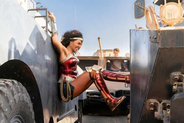 Wonder Woman 1984 car chase