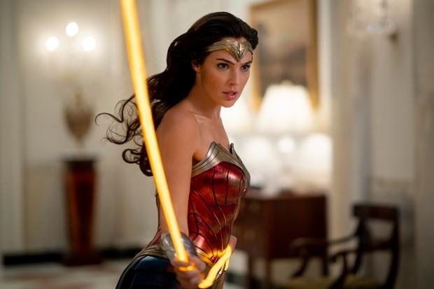 Gal Gadot trong vai Diana Prince / Wonder Woman trong Wonder Woman 1984