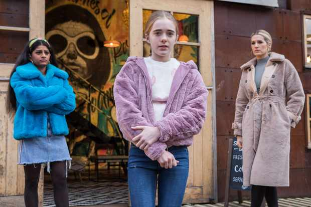 6 Hollyoaks spoilers for next week: Mandy panics and Sid risks his life