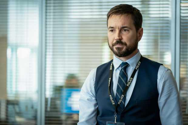 Martin Compston as DS Steve Arnott in Line of Duty season 6 ep 1