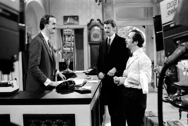 RT Fawlty Towers s1 ep1 09