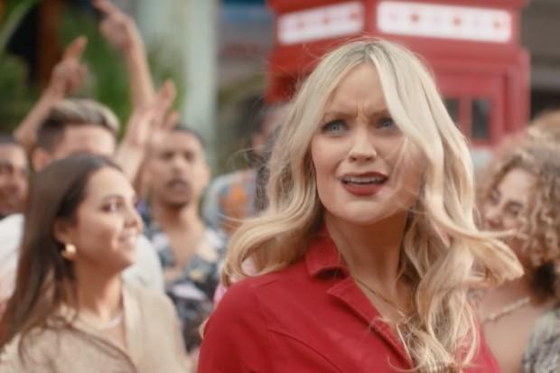 Laura Whitmore in Love Island 2021 trailer